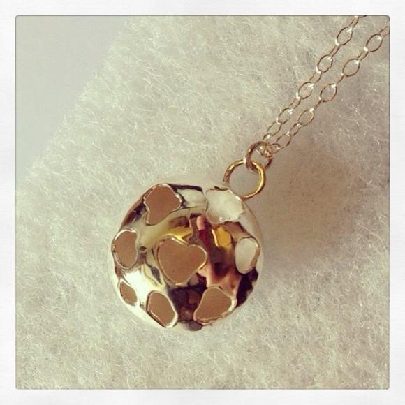 Pierced_pendant_Rebecca_Laura_design.JPG