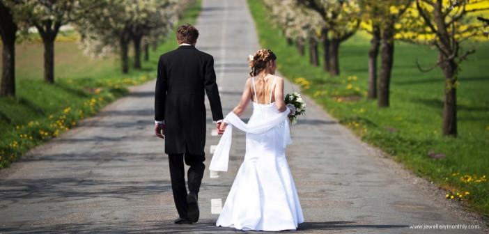 strange-wedding-traditions