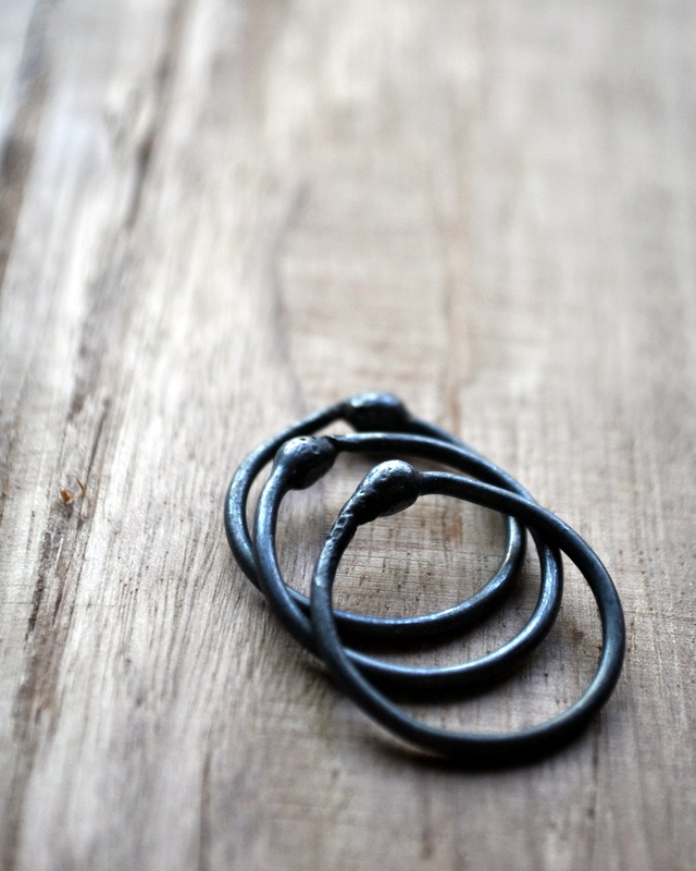 black-jewellery-rings