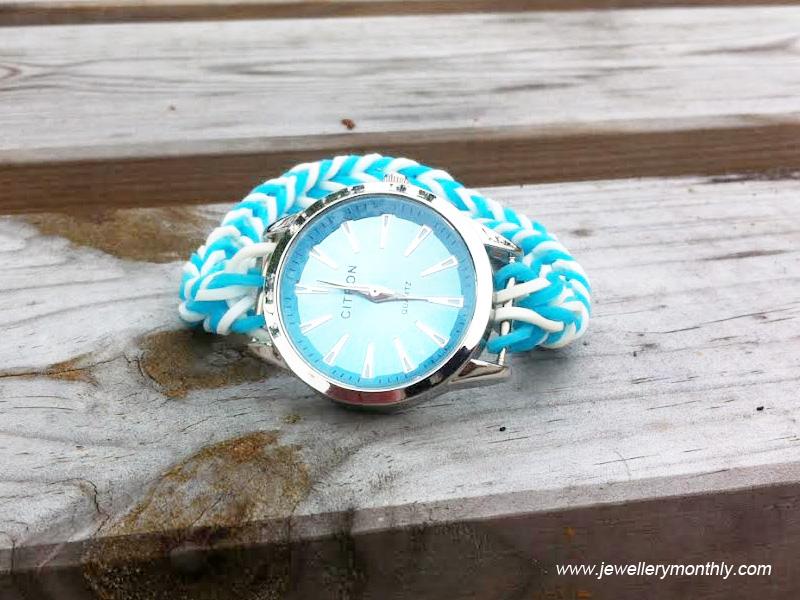 baby-blue-loom-band-watch