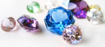 поддельные драгоценные камни