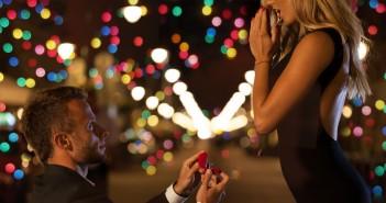 proposing-at-christmas