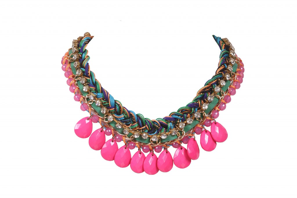 Multi-colored neckpiece