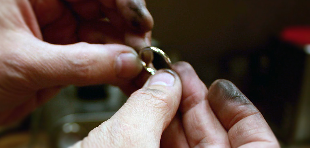 wedding ring being made