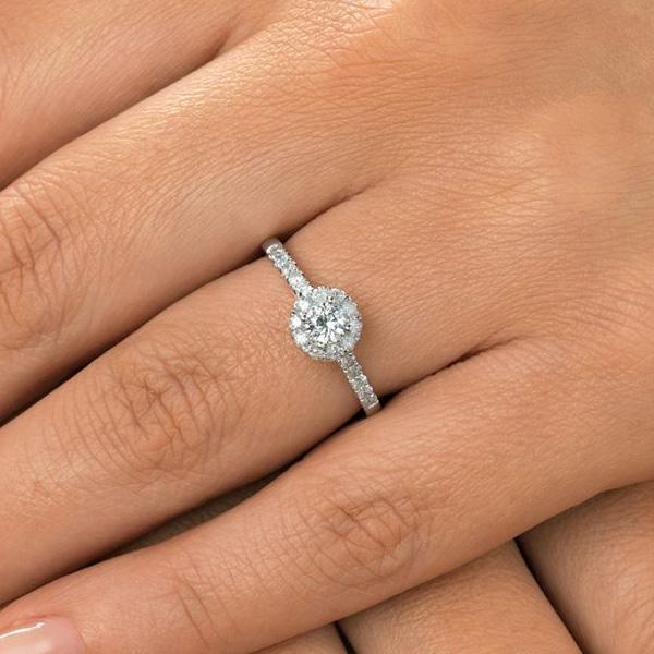 diamond-halo-ring