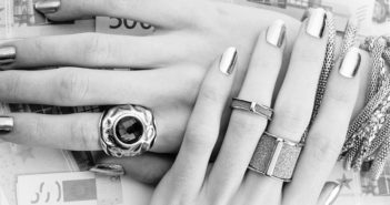 Stainless Steel Jewelry is so famous, but why?